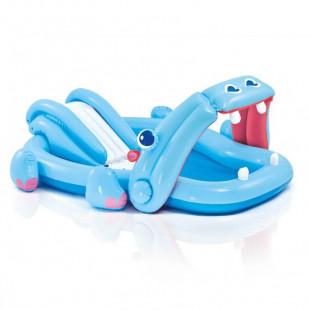 Hracie centrum Intex HIPPO PLAY je detský nafukovací bazén so šmýkačkou v tvare hrošíka z veľmi odolného certifikovaného materiálu. Jedná sa o nafukovací bazén so šmýkačkou hroch s rozmermi 221 cm x 188 cm x 86 cm, ktorý si vaše deti jednoducho zamilujú.